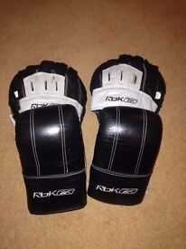 Reebox Boxing gloves and pads