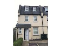 Unfurnished Modern 3 Bedroom House with Ensuite/Parking/Garden - Available immediately