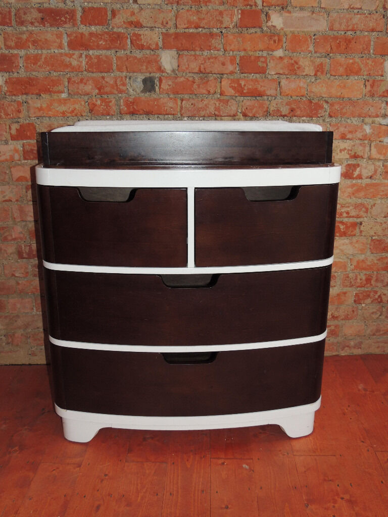 BLOOM chest of drawers (Deliveryin Lewisham, LondonGumtree - Bloom chest of drawers / baby changer (Size 92 W; 60 D; 103 H; 43 x 83cm size of soft changing pad); Featuring four drawers for superior storage capacity, the Luxo Dresser converts to a changing station; Bloom Changing Tray included; With its solid...