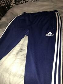 MENS MEDIUM ADIDAS BOTTOMS