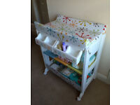 *MUST GO* Cosatto Changing Table and Bath *BARGAIN*