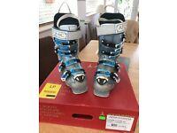 Ladies Atomic Hawx Ski Boots size 23.5