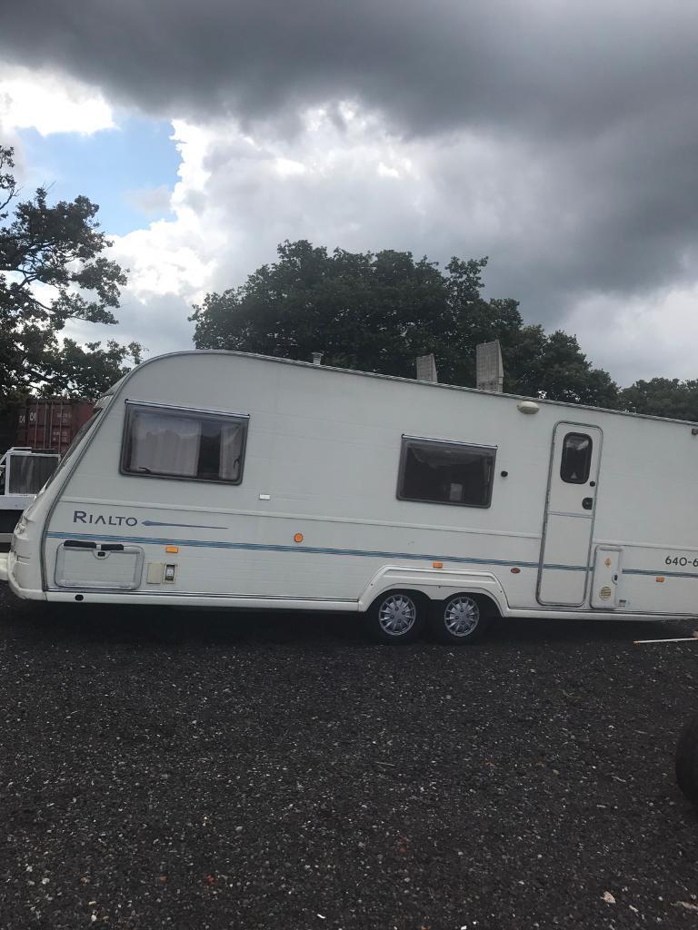 Avondale rialto twin wheel caravan