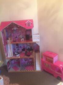 Doll house and Barbie campervan