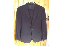 Zara Man black wool man's 2-piece suit. eur 36/usa 36/mek 36 jacket; eur 40/usa 31/mek 31 trousers.
