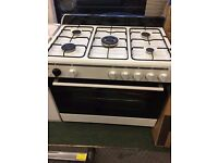 900 x 600 Free standing gas cooker - white