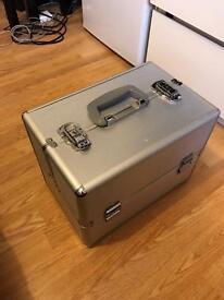 Metal make up cosmetic case box