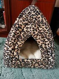 Cat or small dog bed igloo bed.