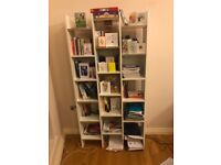 White Bookcase in good conditions bought new 6 months ago