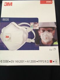 PROFESSIONAL DUST MASKS , BOXED NEW COST £41.95