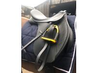 Wintec Black 17.5inch GP changeable gullet saddle excellent condition