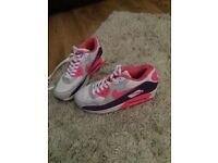 Nike air Max's size 5 only been worn a couple of times