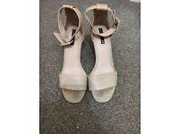Ladies pink suede heels