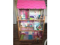 Wide windows let kids see their dolls from different points of view. Size: 130-83-34