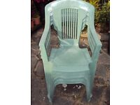 4 GREEN PLASTIC CHAIRS WITH PROTECTIVE COVER + OTHER ITEMS