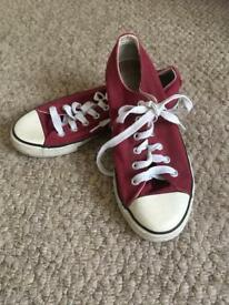 Shoes size 4