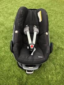 Maxicosi Pebble baby seat (car seat) + isofix base - good condition