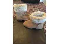 Ladies tan suede boots with fur trim size 3 BRAND NEW