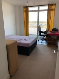 Room available to rent in North Greenwich