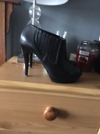 Never been worn size 6 ladies boots