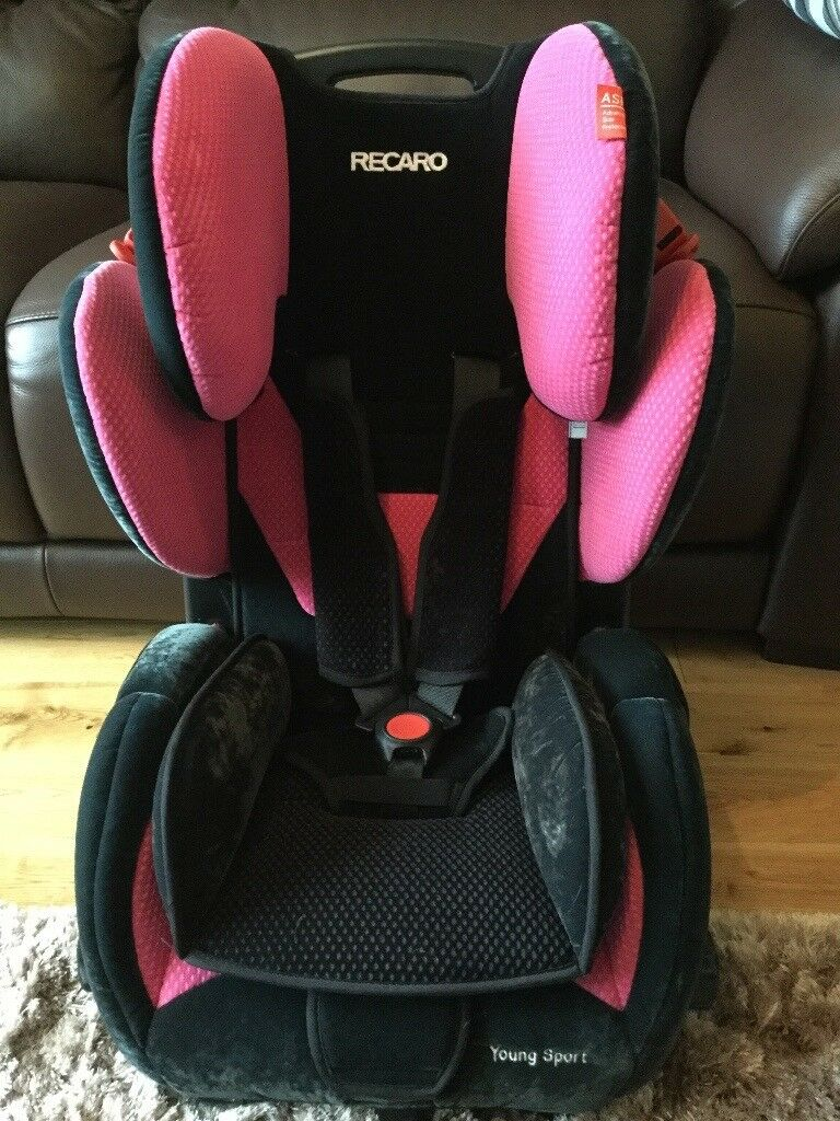 BLACK OR PINK RECARO YOUNG SPORT CAR SEAT WITH BRAND NEW INFANT STRAPS
