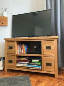 📺 TV corner oak stand