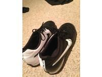 Size 7 Black and White Nike Astros