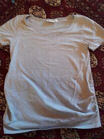 Jojo Maman Bebe maternity t-shirt, size L