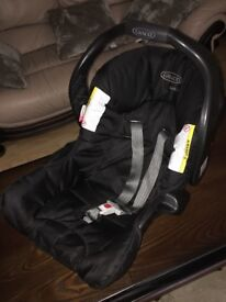 Graco Junior car seat/baby carrier