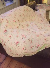 King Size Reversible green Pink Eiderdown Quilt