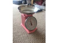Pink kitchen weighing scales