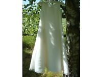 Ivory bridesmaid's dress. Simple Elegance. Size: Child Age 10