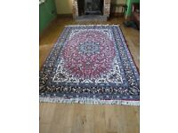 Stunning Persian rug - 3m x 1.95m (Approx 10ft x 6.5ft)