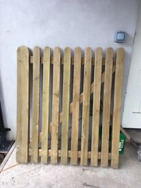 New unused garden gate 4ft High / 3ft 6 wide. Immaculate