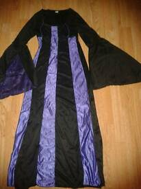 Halloween morticia dress