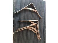 Cast iron shelf brackets X 4