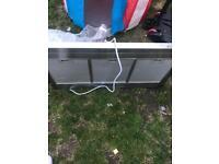 Kitchen extraction cooker hood