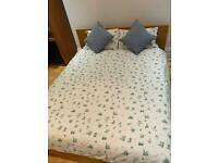 IKEA Malm bed frame - King Size - Oak colour