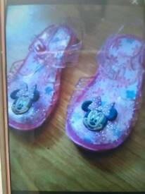 Minnie sandles
