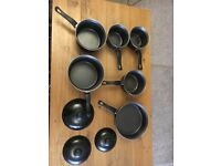 Set of Pots & 1 frying pan.