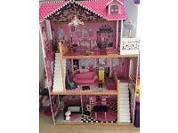dolls play house £40
