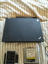 Lenovo T400 thinkpad, 8gb, 2.4ghz, 500gb, gsm.
