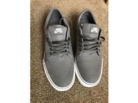 Nike sb Mens grey