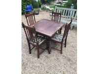 Extendable table with 6 chairs (oak)