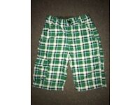 Green H&M Boys shorts Age 4-5 years (like new)