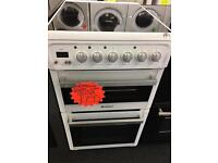 HOTPOINT 50CM CEROMIC TOP ELELCTRIC COOKER IN WHITE.