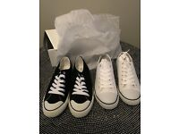 2 pairs (1 White, 1 Black) converse style trainers size 7