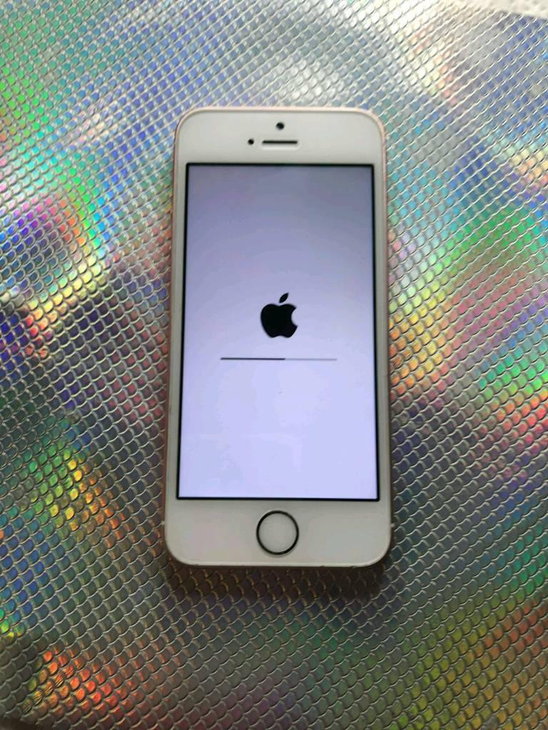 Iphone se rose gold 16g on o2 £180 ono