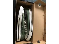 Brand new still boxed and tagged size 9 converse trainers
