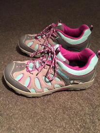 Girl's walking shoes size 2